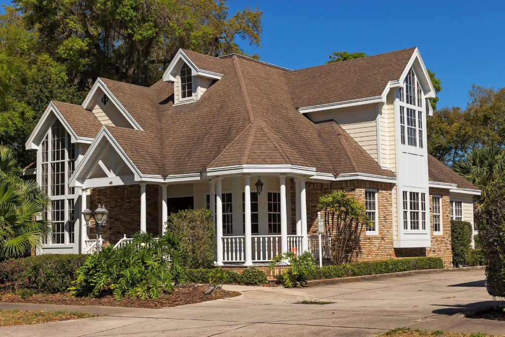 how to select a new roof for your home